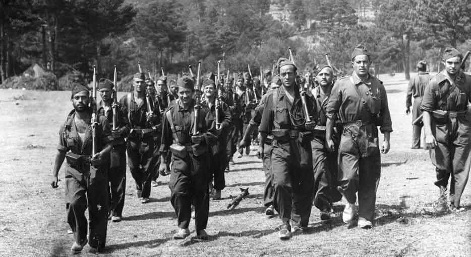 Гражданская Война в Испании. Республиканская народная милиция на марше